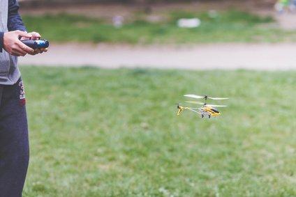 RC Hubschrauber fliegen lernen – so fangen Sie an